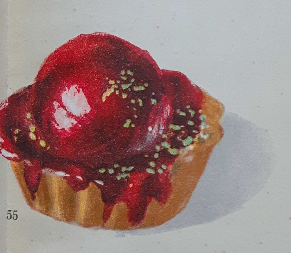 Red Delicacy from the Book Das Dessert