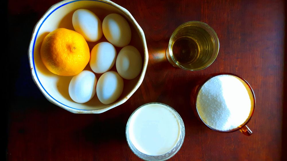 Ingredients for the lemon sauce
