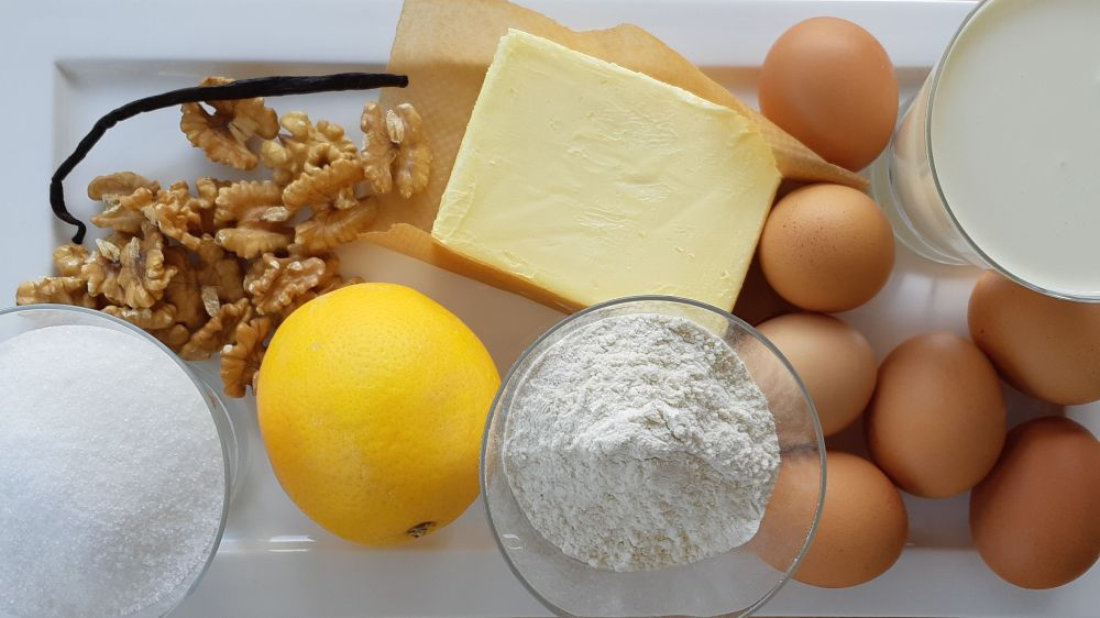 Ingredients for a lemon cake