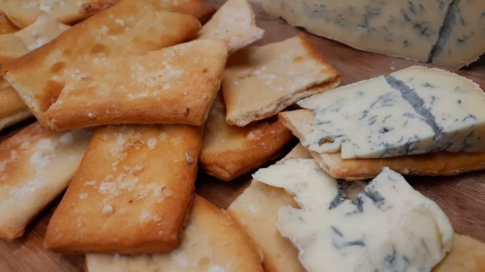 Sea salt biscuits with cheese